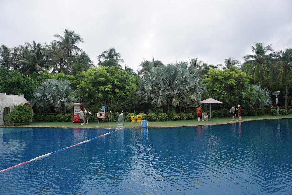 私人订制里的泳池